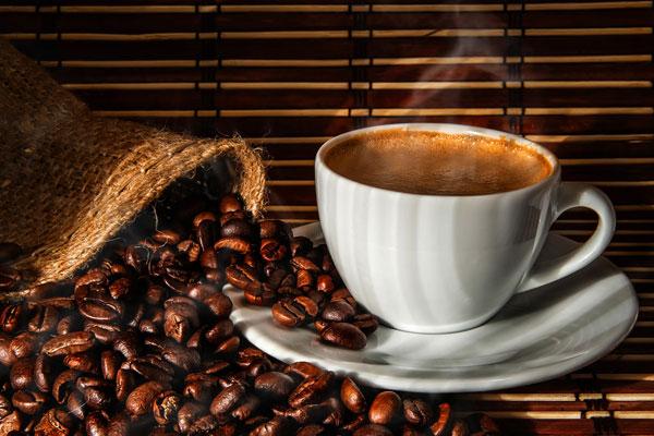 Photo of دراسة تخفض التحذير من خطورة القهوة في الإصابة بالسرطان