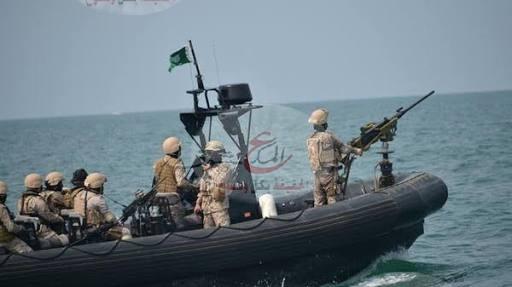 "Photo of إحتجاز سفينة صيد سعودية وإعتقال طاقمها فى "" إيران """