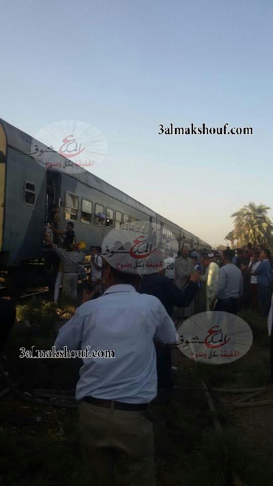 """Photo of عاجل : السيطرة علي حريق محدود بقطار الأقصر أمام مركز بني مزار """" بالمنيا """""""