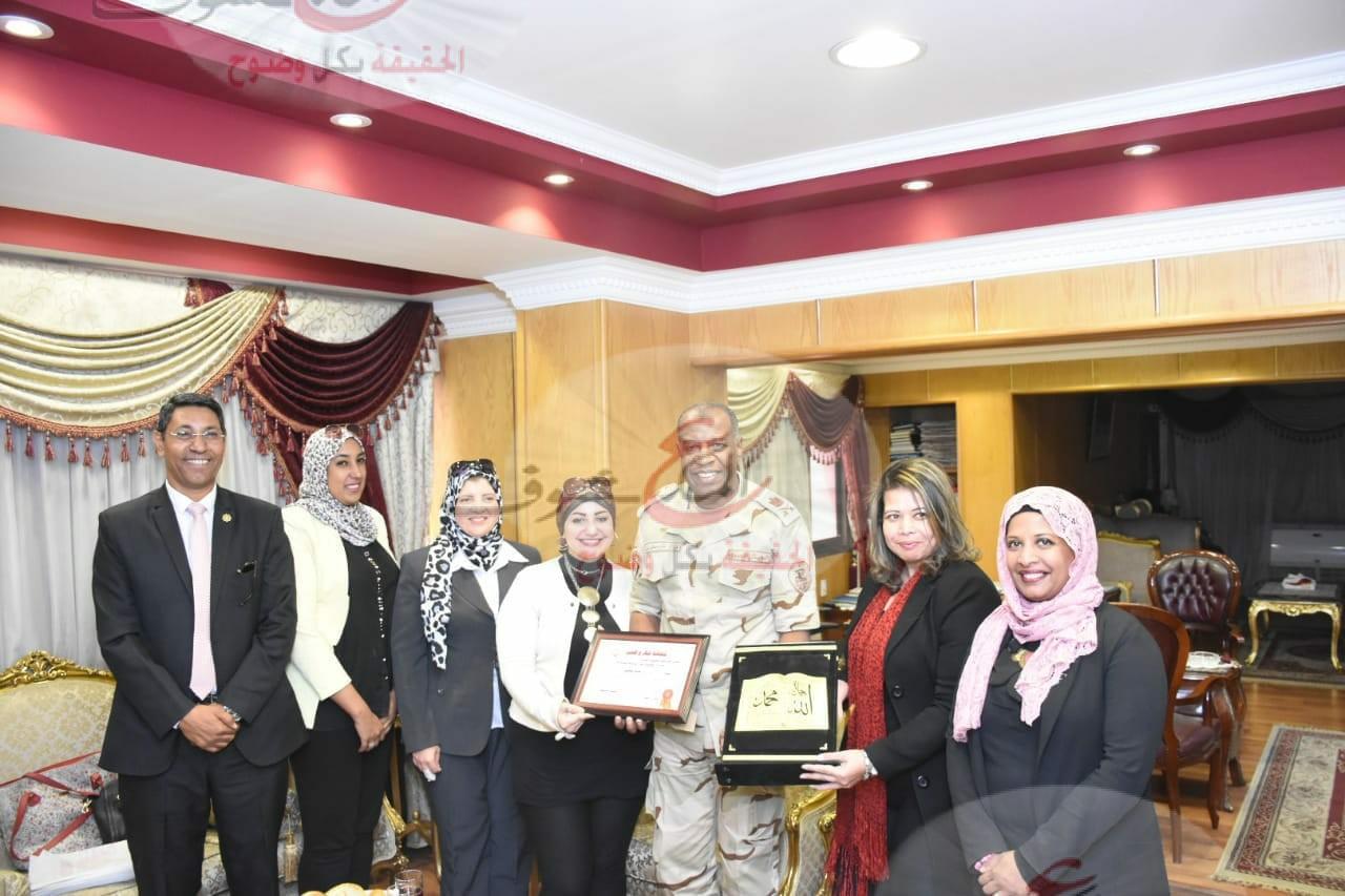 """""""بالشباب نقدر"""" تقدم التهاني للقيادة المركزية بوزارة الدفاع بمناسبة احتفالات أكتوبر المجيد"""